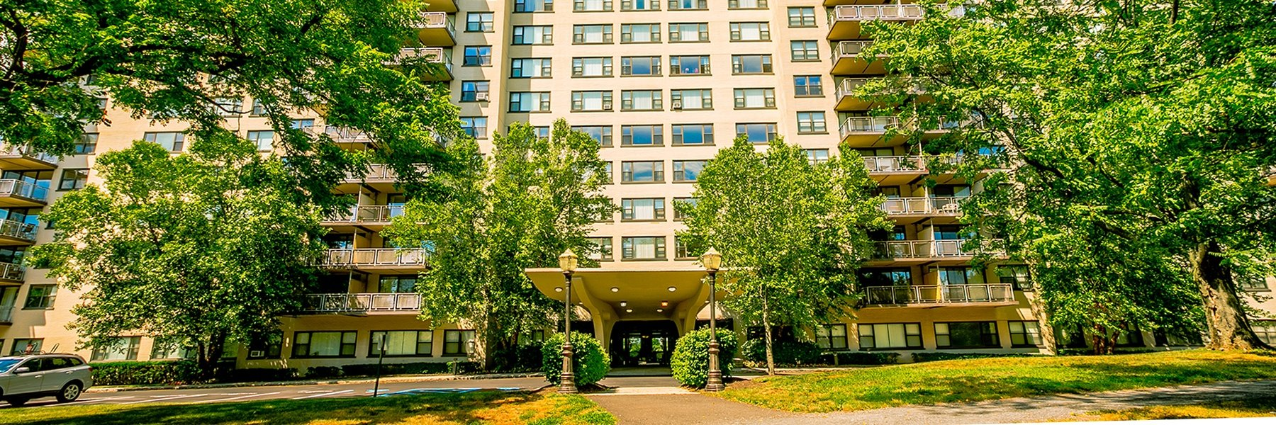 The Colony House Apartments For Rent in New Brunswick, NJ Building View