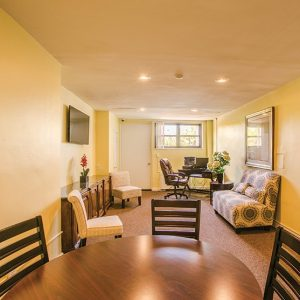 The Colony House Apartments For Rent in New Brunswick, NJ Courtyard Livingroom